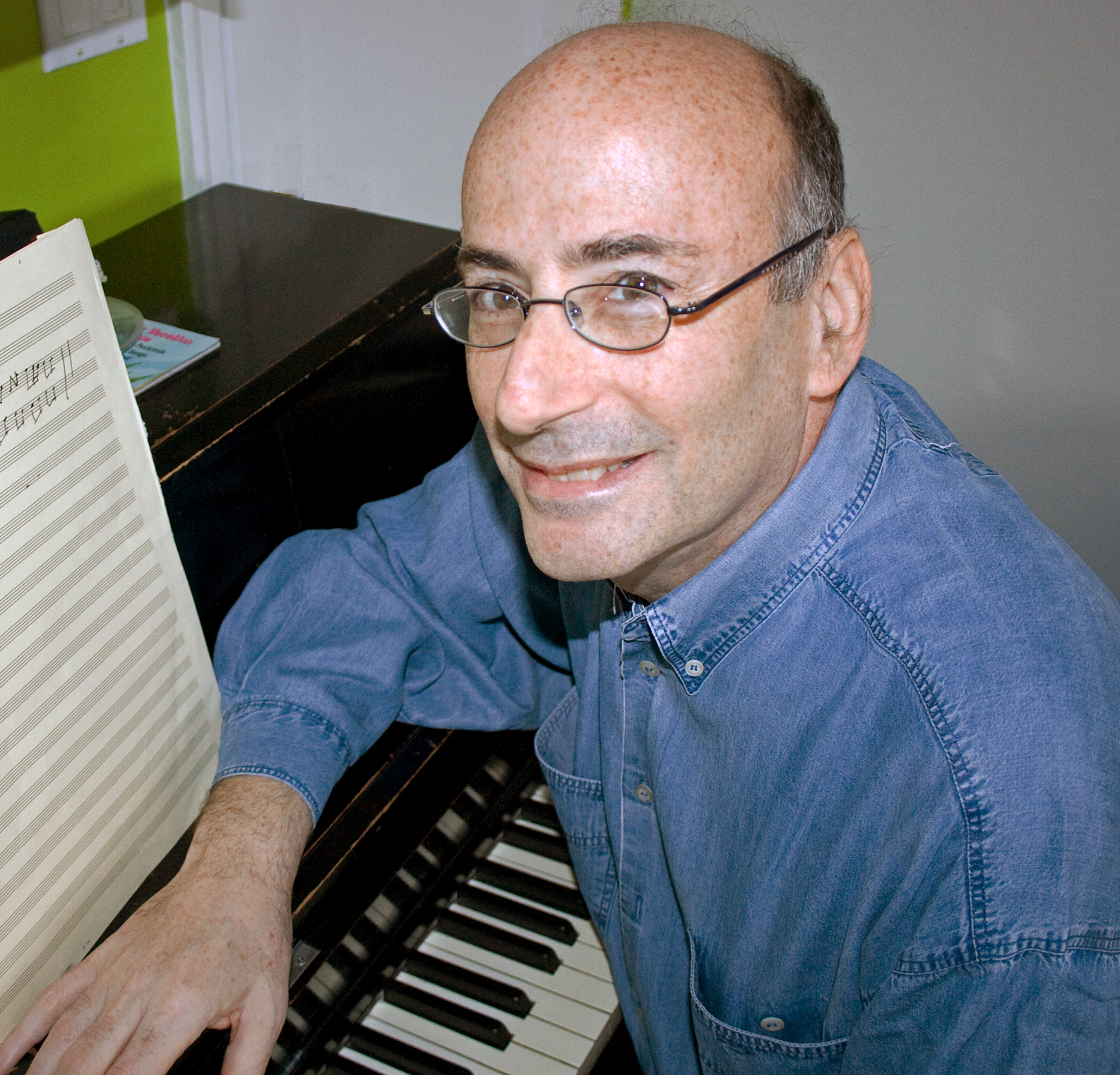 Entrevista a Richard Einhorn, compositor de Voices of Light/...